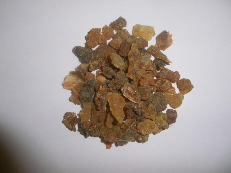 myrrhe r sine v g tale d 39 encens en grains 100 naturel herboristerie moderne. Black Bedroom Furniture Sets. Home Design Ideas